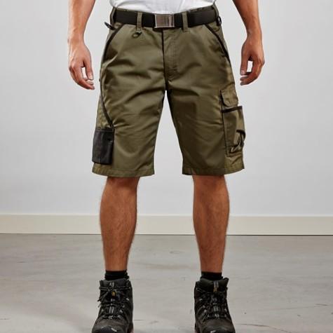 Kurze Hosen und Piratenhosen